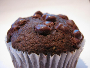 cupcakes - 12 FOODS TO AVOID IMMEDIATELY IF YOU ARE SERIOUS ABOUT GETTING FIT